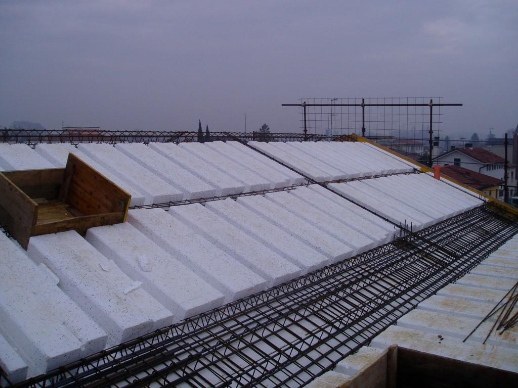 Thermorex tetto isolato con polistirolo thermorex for Tetto della casa moderna